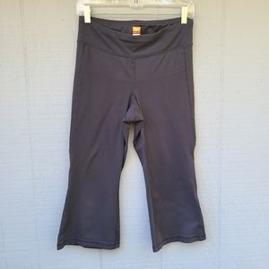 Lucy Size Medium Black Cropped Workout Pants